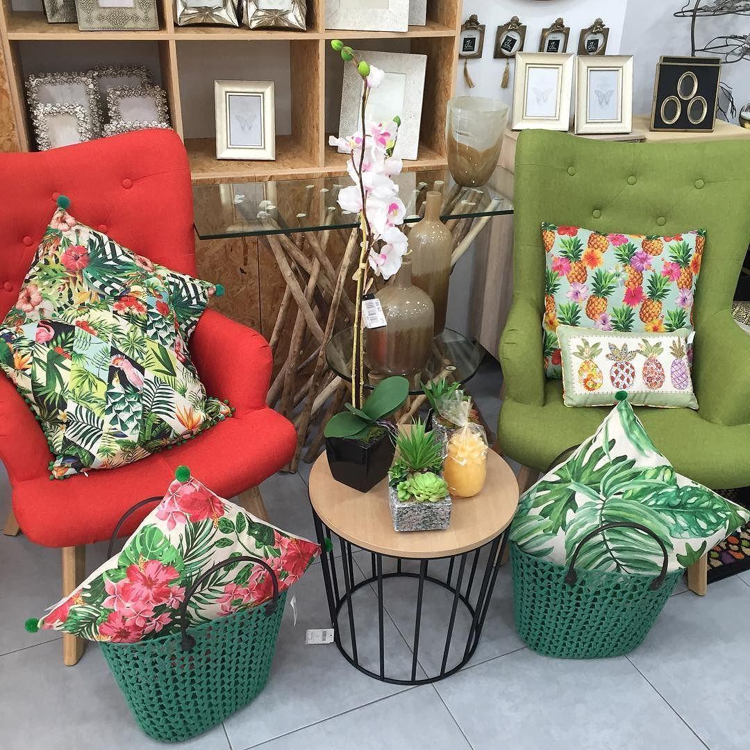 NOVEDAD #decoracion #home #homedecor #instadeco #interiorismo #decoraciondeinteriores #primavera #cojines #tiendadecoraciongaldar