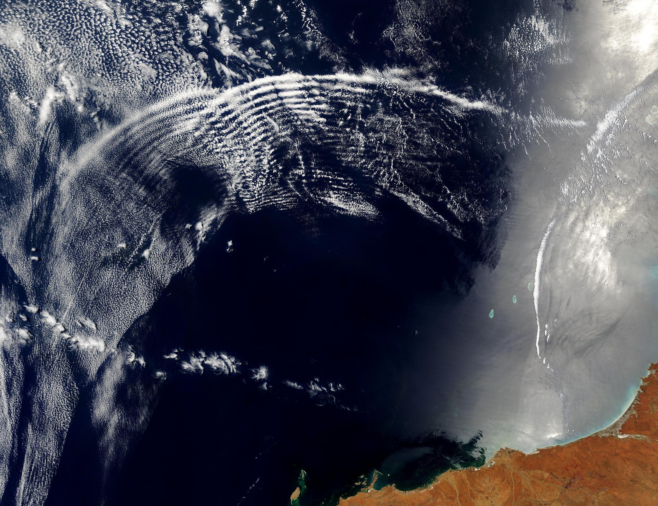 Australia.A2003315.0225.500m.jpg (2600×2000) Waves