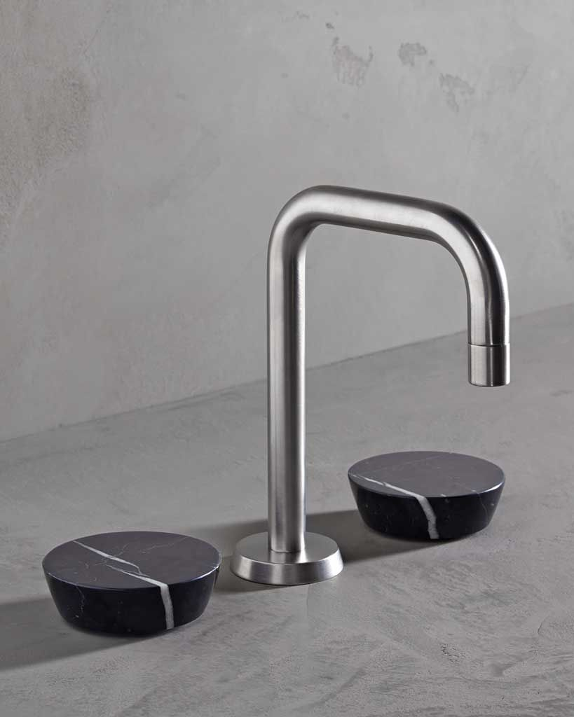 Watermark bathroom accessories - The Zen Faucet Collection That S Referred To As Edgy Jewelry For The Bathroom