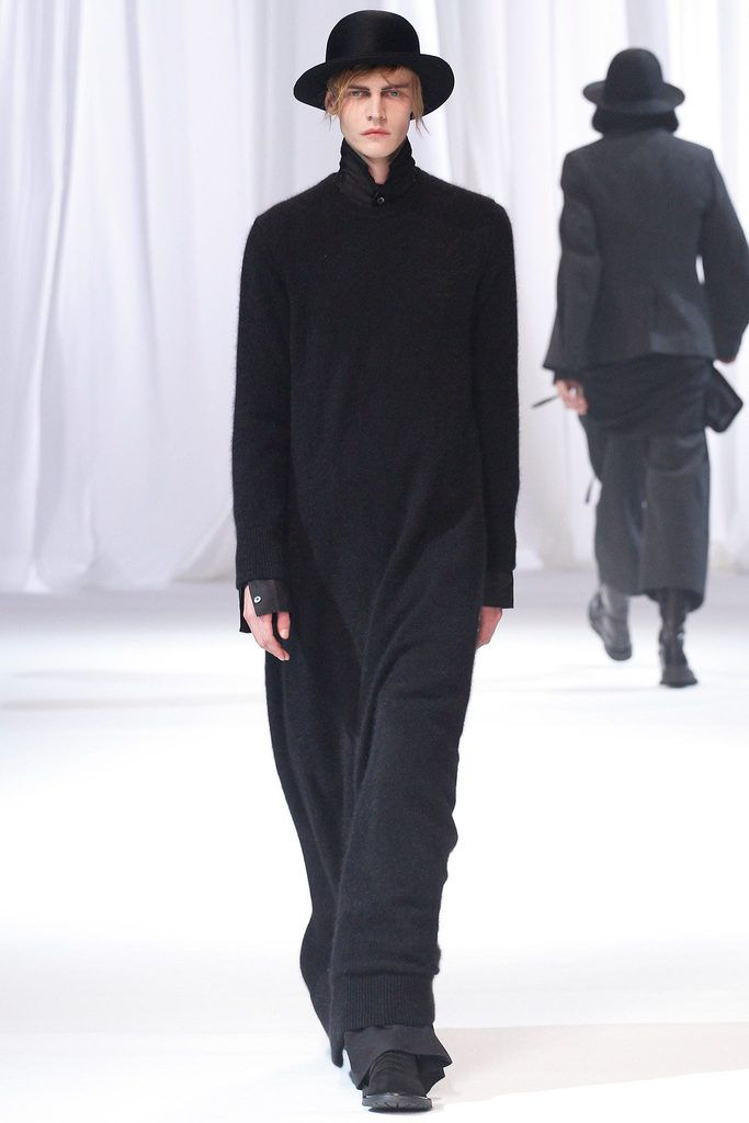 Ann Demeulemeester #fashion #avantgarde #dark #Minimal #simple #black #trends #style #wearing #runway #fashionweek