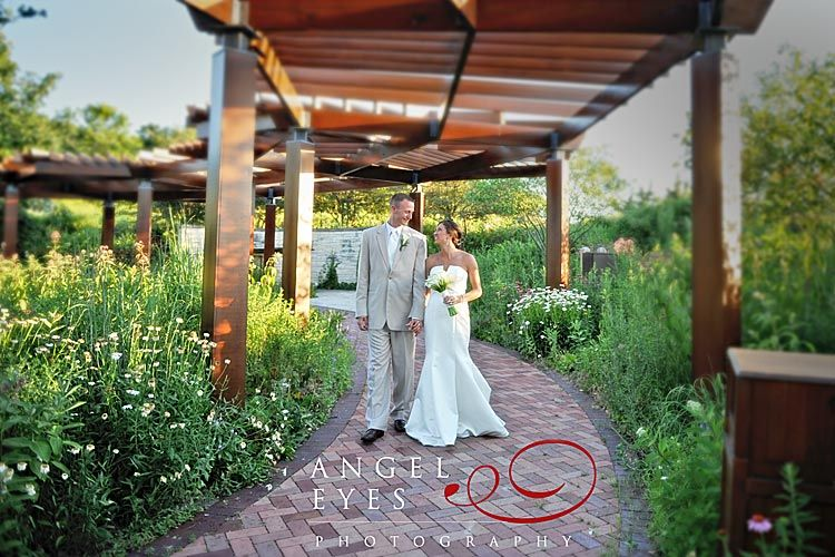 Independence grove in libertyville il beautiful wedding for Indoor and outdoor wedding venues