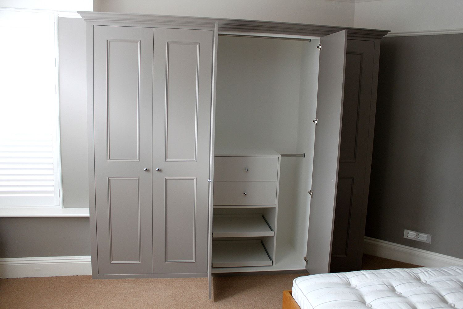Best Classic Fitted Wardrobe In Hanwell West London Bedroom Pinterest Built In Wardrobe 400 x 300