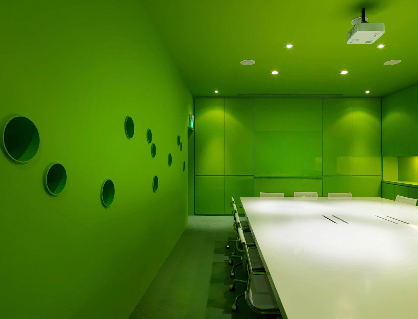 Leo Burnett Singapore by Ministry of Design