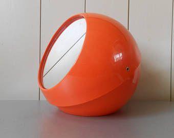 Camera Da Letto Stile Anni 70 : Vanità e specchio grande vintage anni 1970 compongono la palla