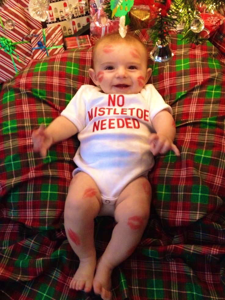 Baby S First Christmas Haha This Is So Jacob He Doesn T Need Any Mistletoe And He Gets It Year Christmas Baby Pictures Baby Christmas Photos Christmas Baby