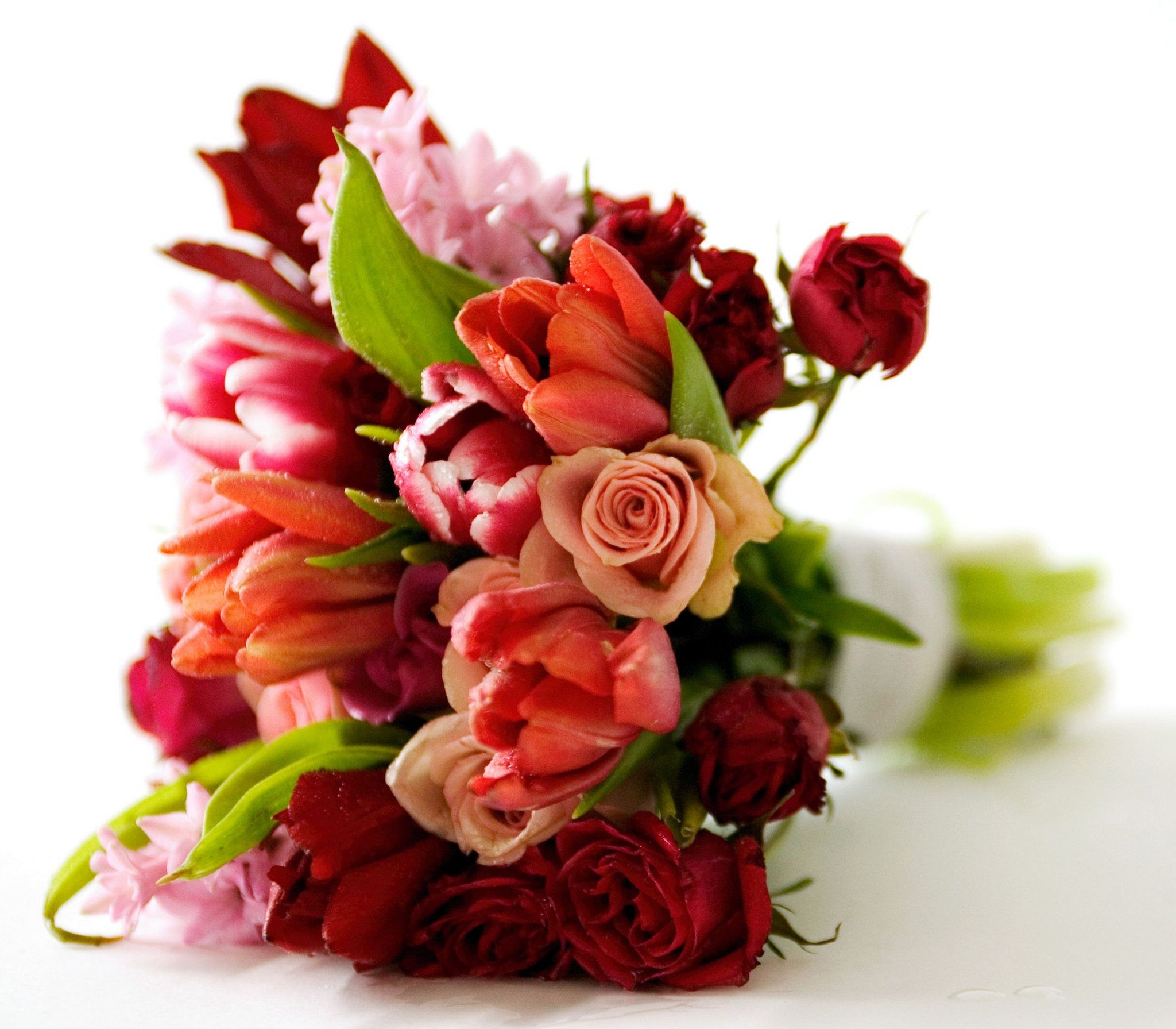 100 red flower bouquets fall for this autumn inspired