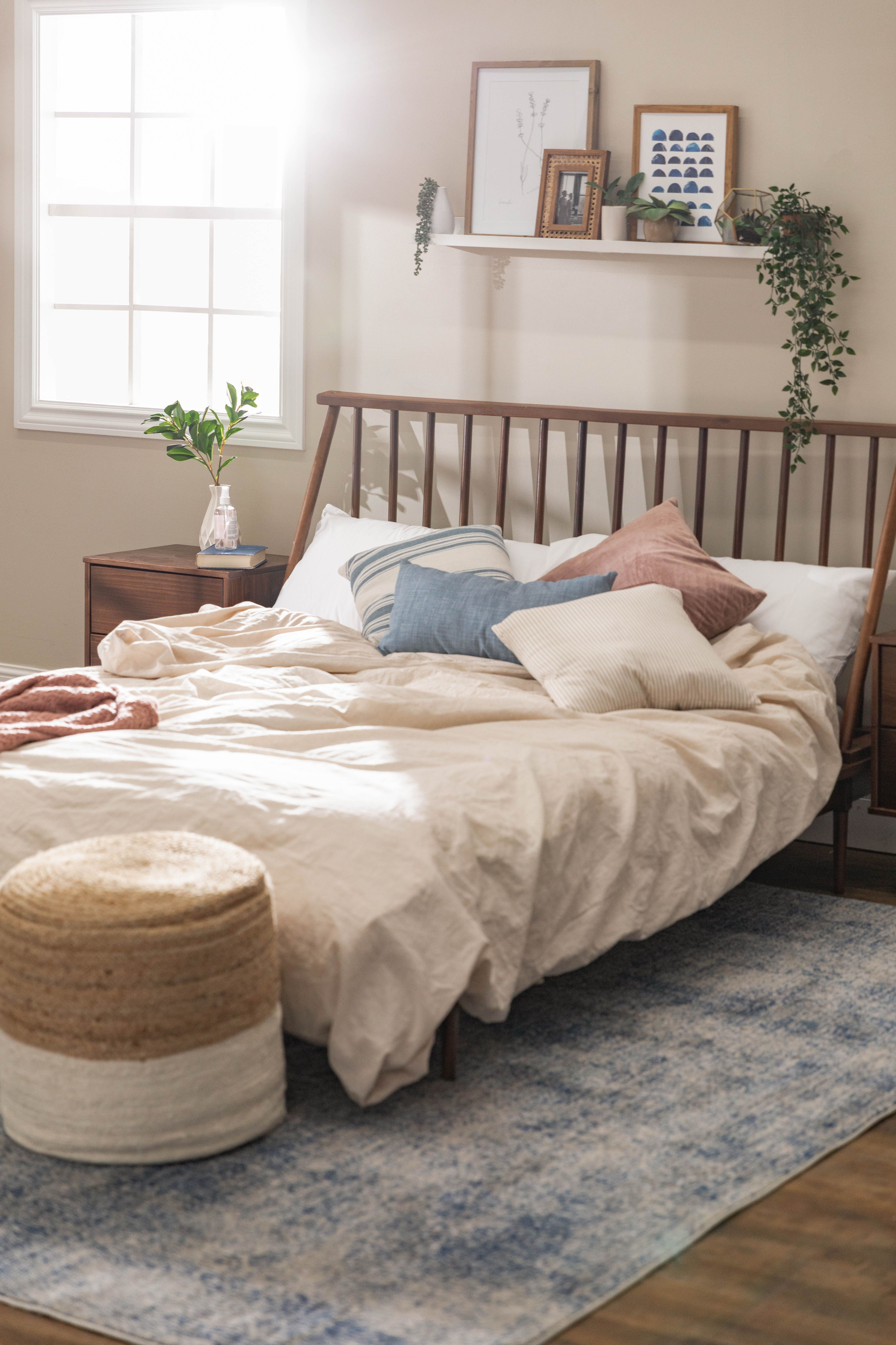 Spindle Back Solid Wood Queen Bed in 2020 Minimalist