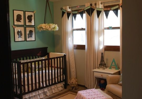 Aurora S Tiffany Box Room On A Budget My Apartment Therapy