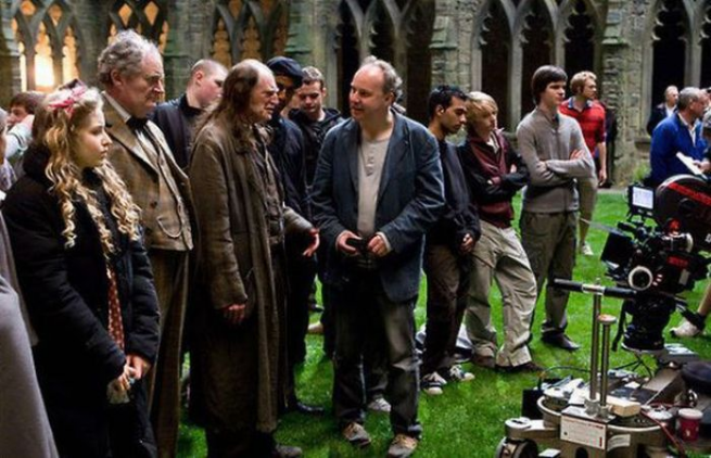 71 Rare Behind The Scenes Harry Potter Photos Epicstream Harry Potter Movies Harry Potter Harry Potter Obsession