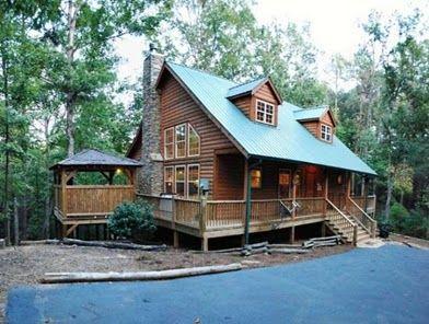 Log cabins with hot tubs helen georgia cabin rentals for Www helen ga cabins com