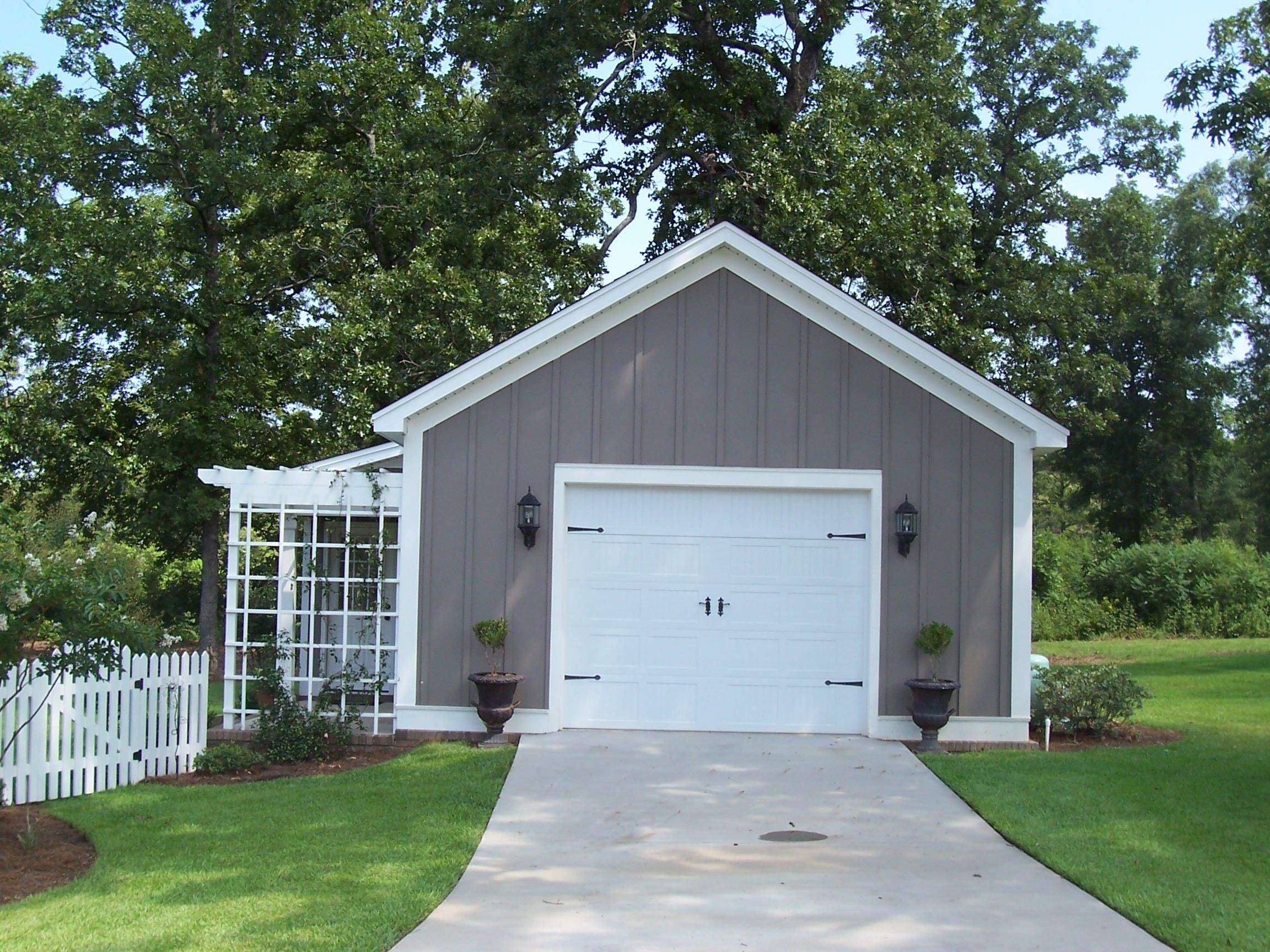 Custom built garden shed workshop freestanding garage for Garage portico