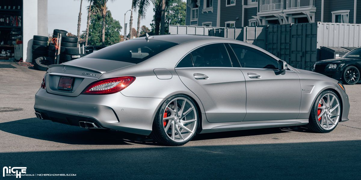 Check Out The Staggered Wheels On This Mercedes Benz Cls 63 Amg
