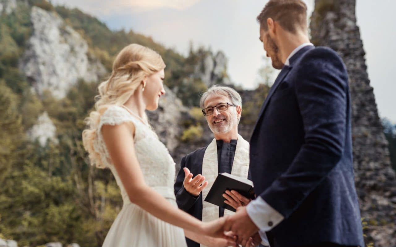 Wedding readings the best poems, song lyrics and Bible
