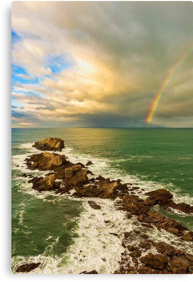 Lienzo del arcoiris en la costa de Zarautz