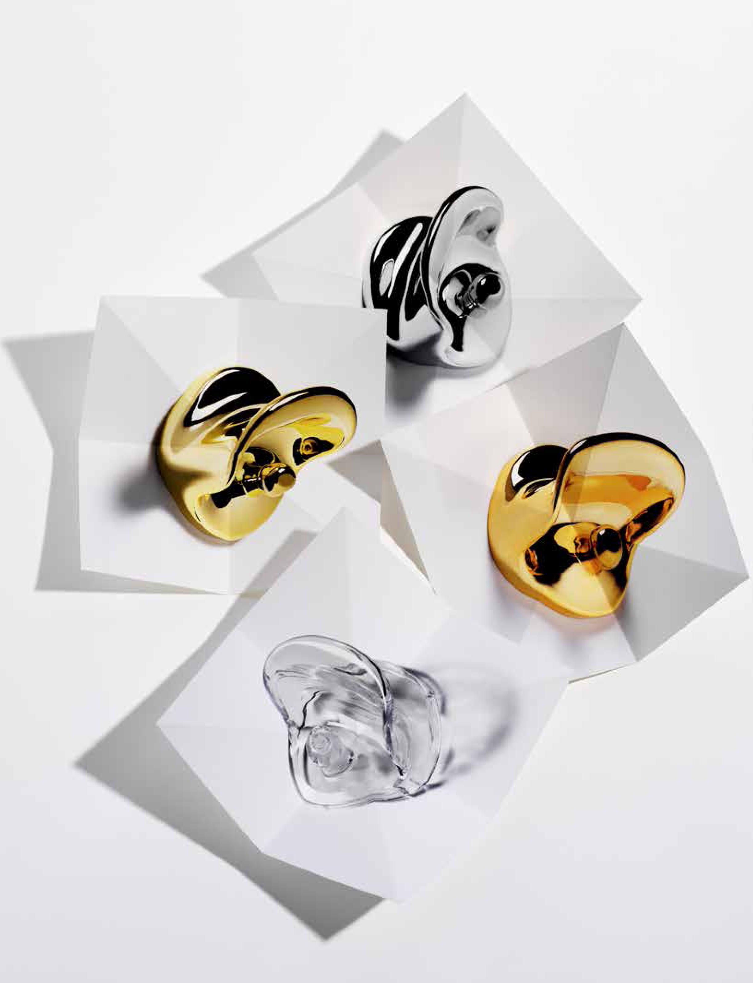 Ein bisschen Gold und Silber: Kleiderhaken von Kartell | online ...
