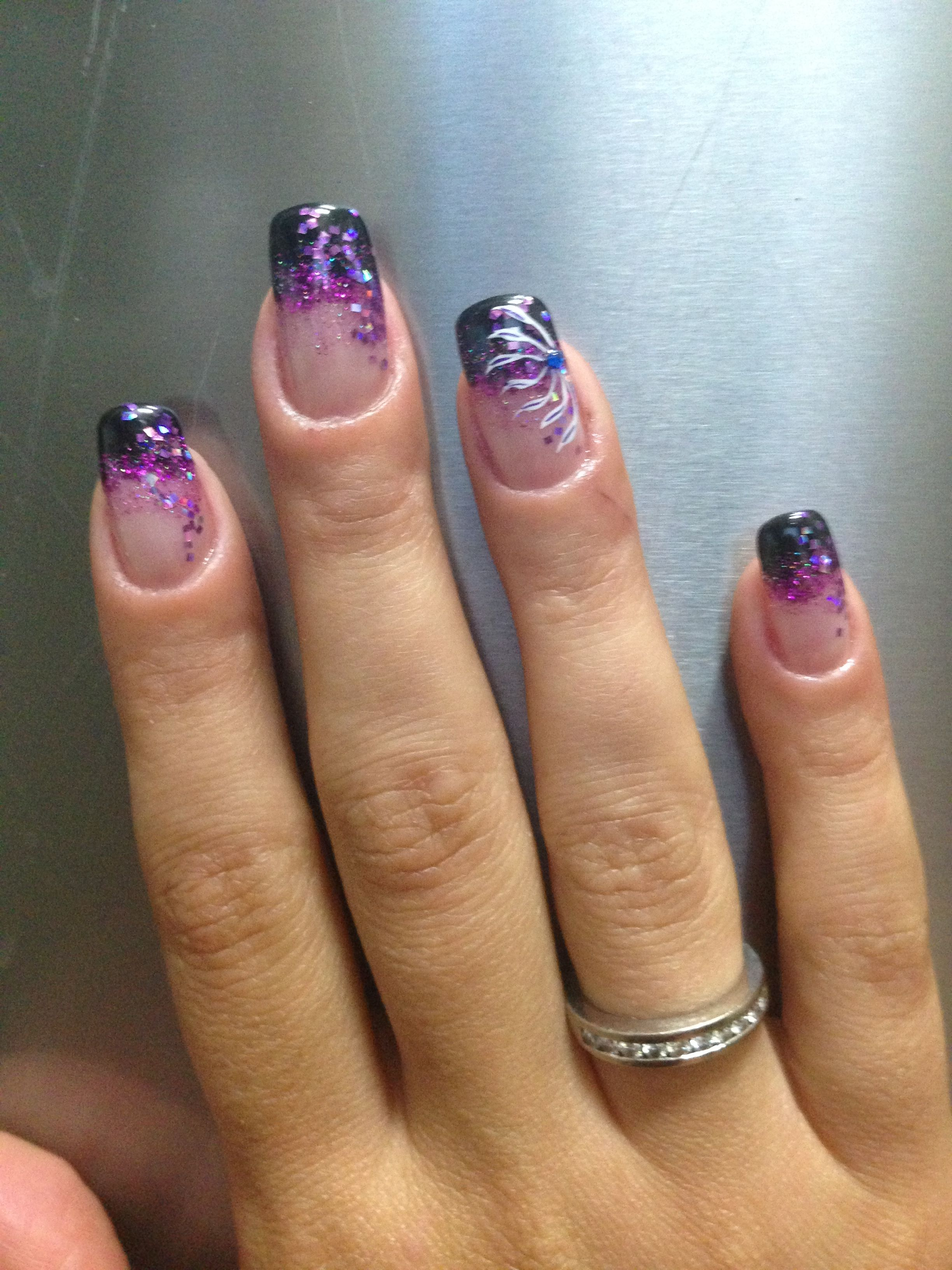 www.gardennearthegreen.com Purple and Black Gel Nail Art! Awesome ...