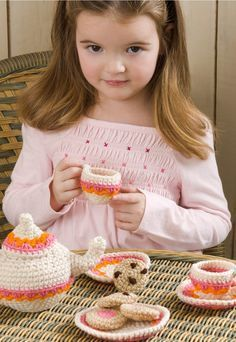 FREE CROCHET PATTERN   DIY Tea and Cookie Party Set.