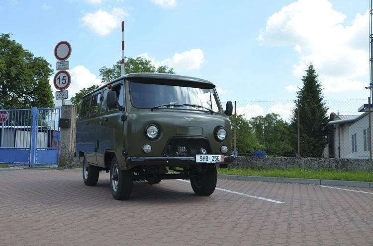 uaz 452 passenger made in russia uaz 452 vehicles 4x4 van 4x4 rh pinterest com