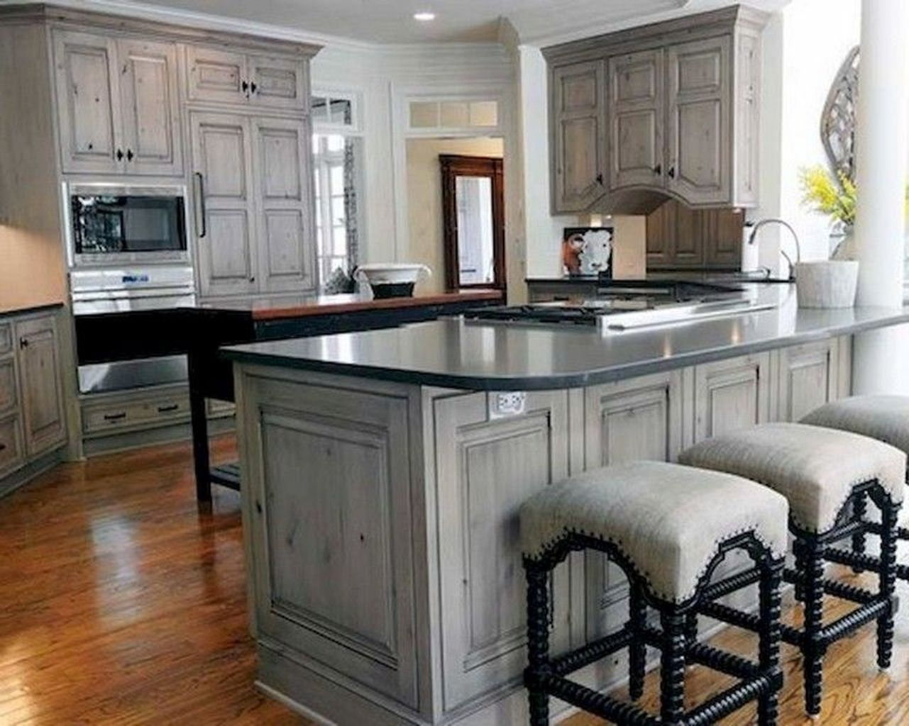 awesome 89 diy farmhouse kitchen cabinets makeover ideas source link https decortutor co on farmhouse kitchen maple cabinets id=56648