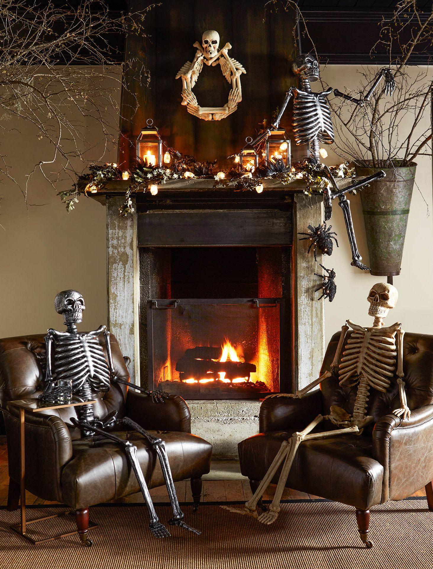 Outdoor Mr. Bones Natural Halloween house, Halloween