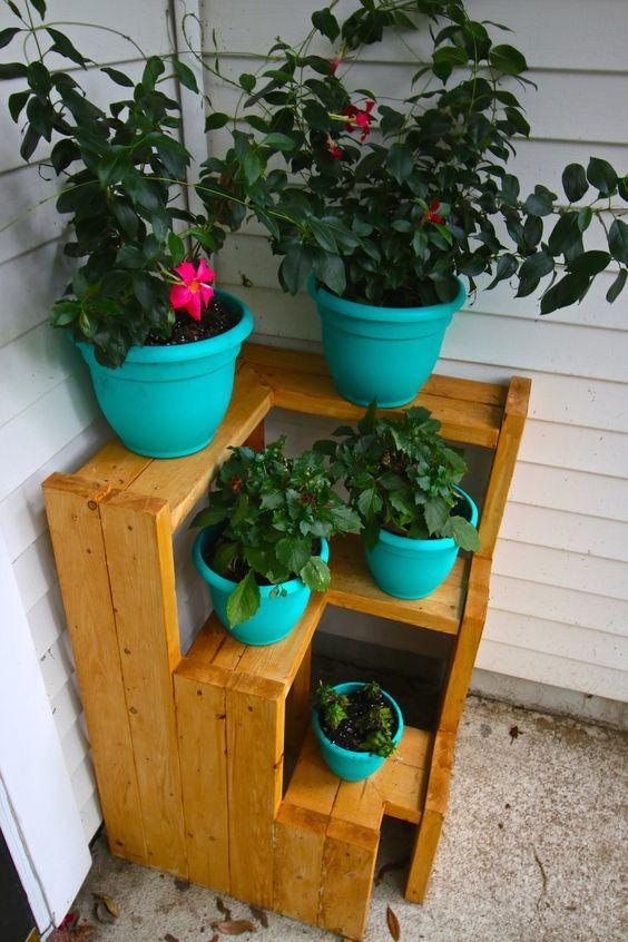 DIY 3 Tiered Corner Plant Stand #diyplantstand