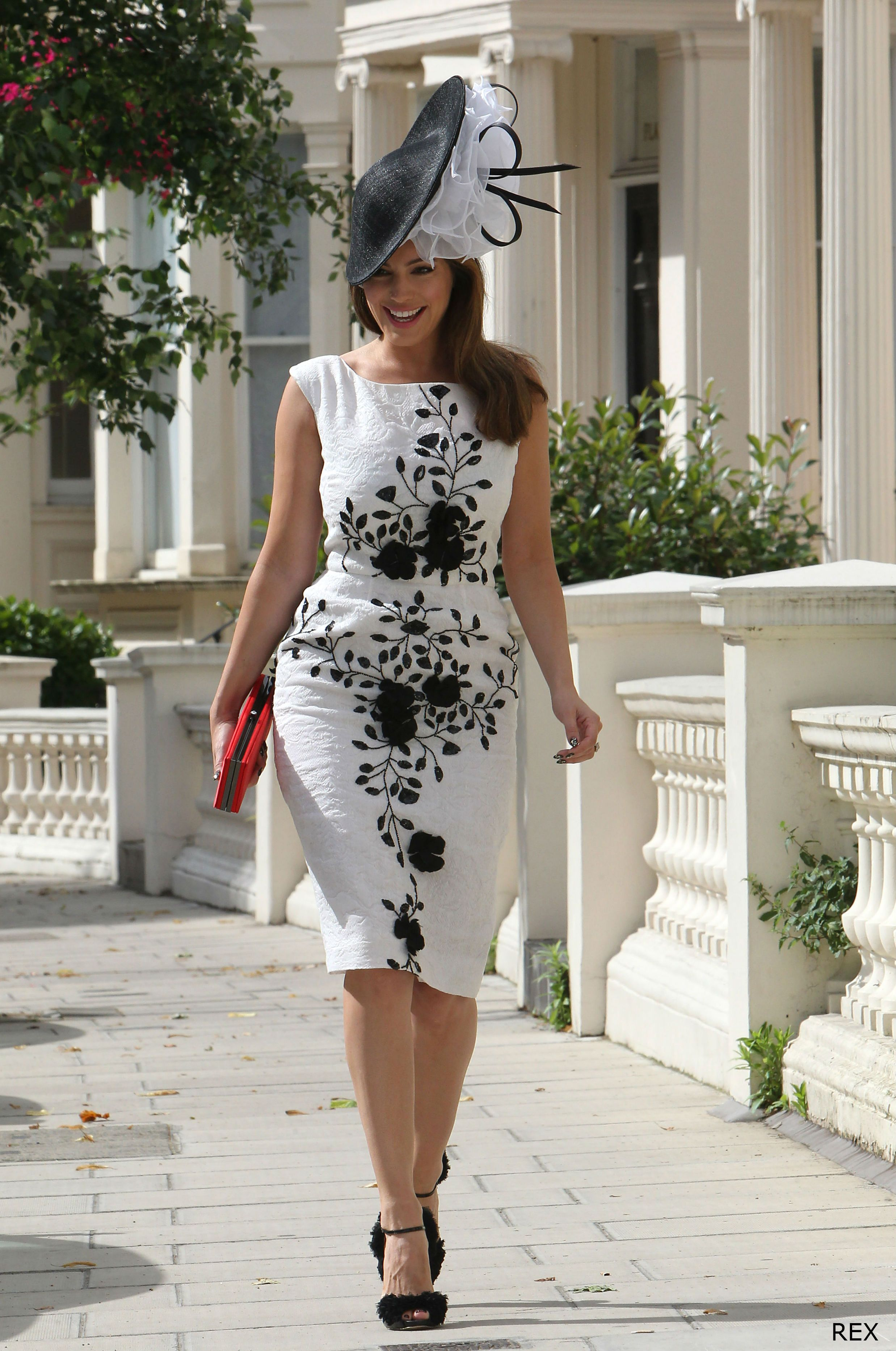 Kelly Brook is ravishing in race day dress | Gold Cup | Pinterest ...