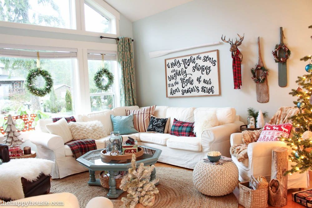 33 Best Christmas Country Living Room Decorating Ideas: A Lake Cottage Christmas: Our Christmas Living & Dining