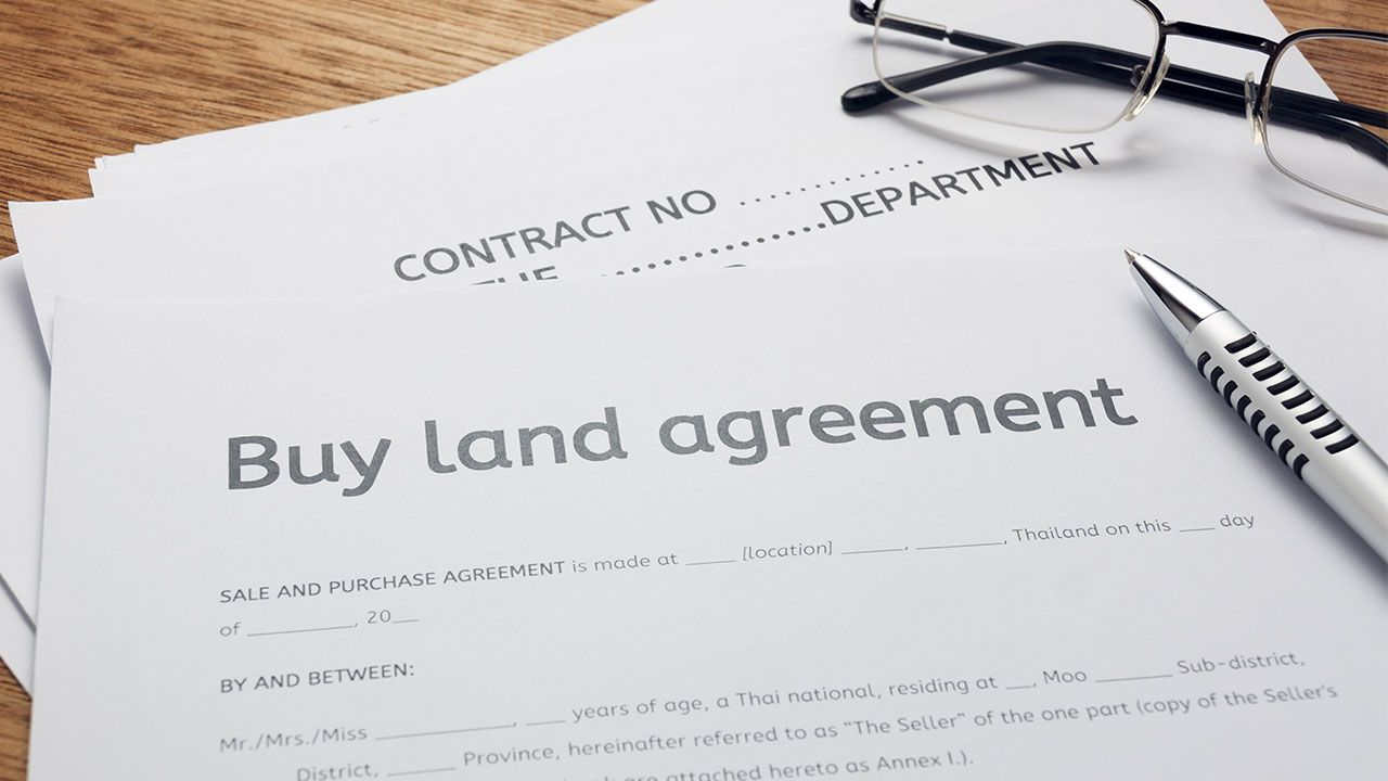 A Land Contract In Michigan Is Quite Similar To A Mortgage However Like A Mortgage No Money Is Borrowed From A Lender Or How To Buy Land Agreement Mortgage