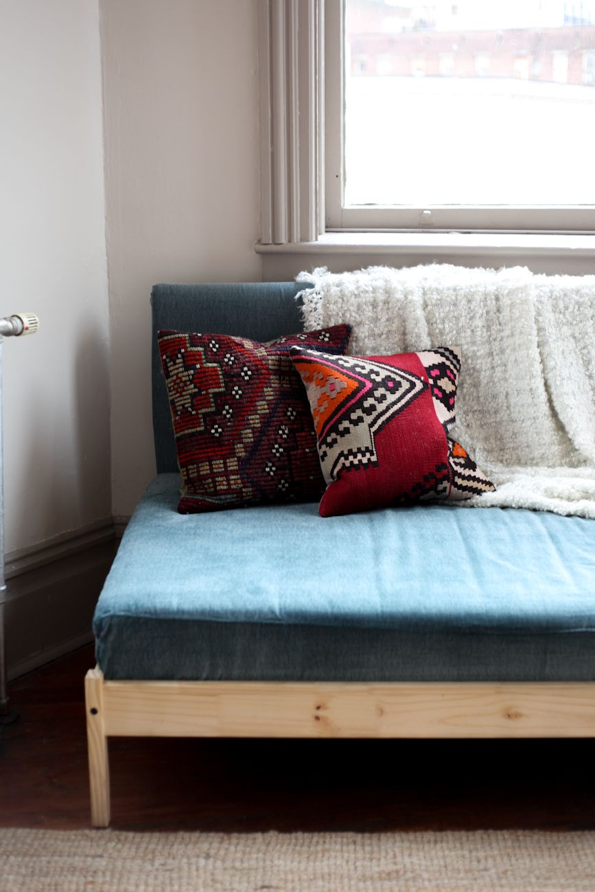 DIY Ikea Hacks : 5 Easy Steps To Make Your Own Ikea Couch