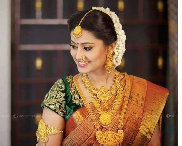Trust Actress Sneha To Rock A Heavy Temple Jewellery Set On Top Of An Equally Hea South Indian Wedding Hairstyles South Indian Wedding Indian Bridal Hairstyles