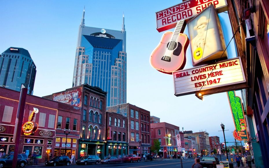 No one knows how to make you feel welcome quite like a Tennessean. Music City's singers and songwriters give the city a constant feel-good vibe, which is only boosted by that below-the-Mason-Dixon-twang and a clutch of top-notch barbecue joints.