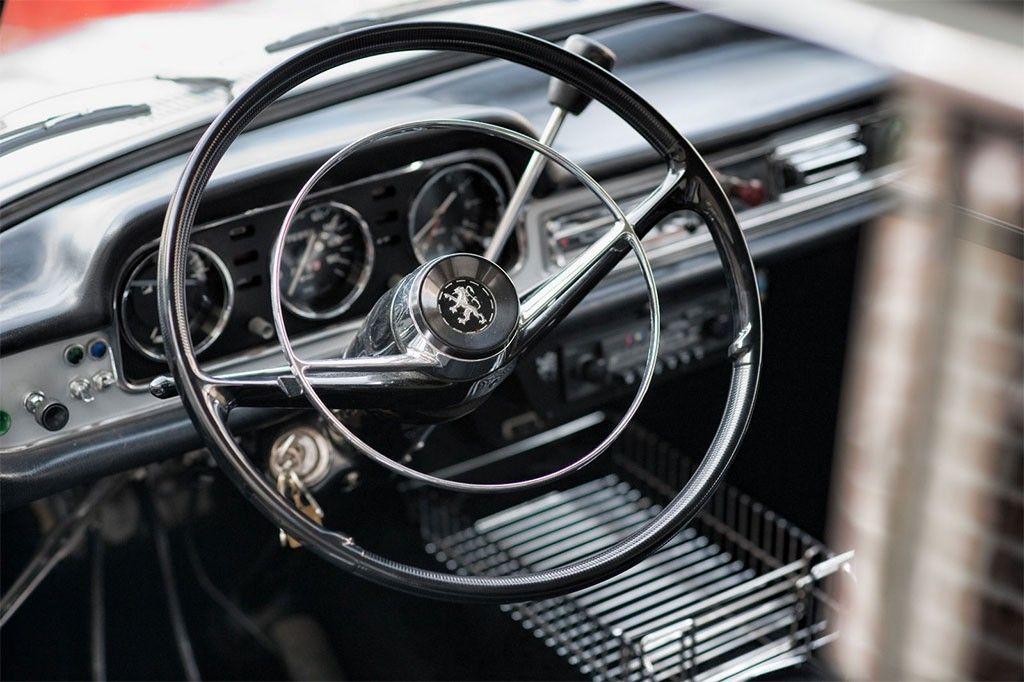 Peugeot 404 interieur peugeot 404 pinterest peugeot for Interieur 404