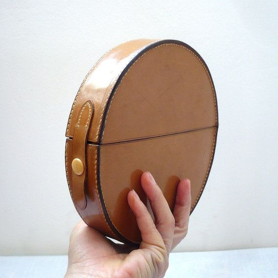 BABYBEL French Vintage 60s Round Leather Clutch
