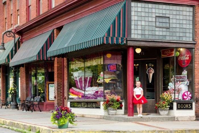 The Tiny Town In West Virginia With The Most Mouthwatering Restaurant Towns In West Virginia West Virginia Corner Shops