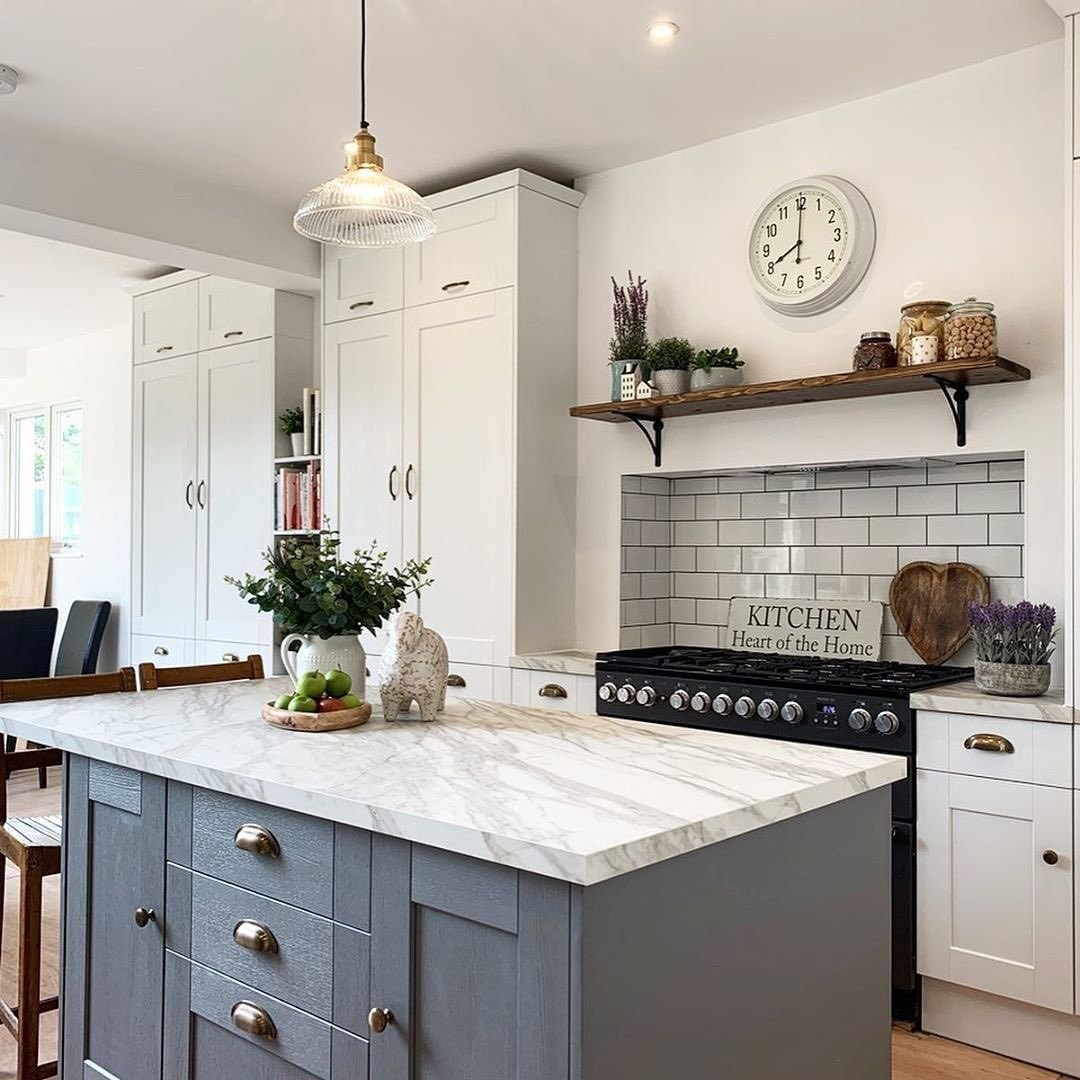 Howdens On Instagram A Fairford Slate Grey Kitchen Island Creates Impact Whilst White Wall Cabinets Complement Th In 2020 Grey Kitchen Island Grey Kitchen Slate Grey