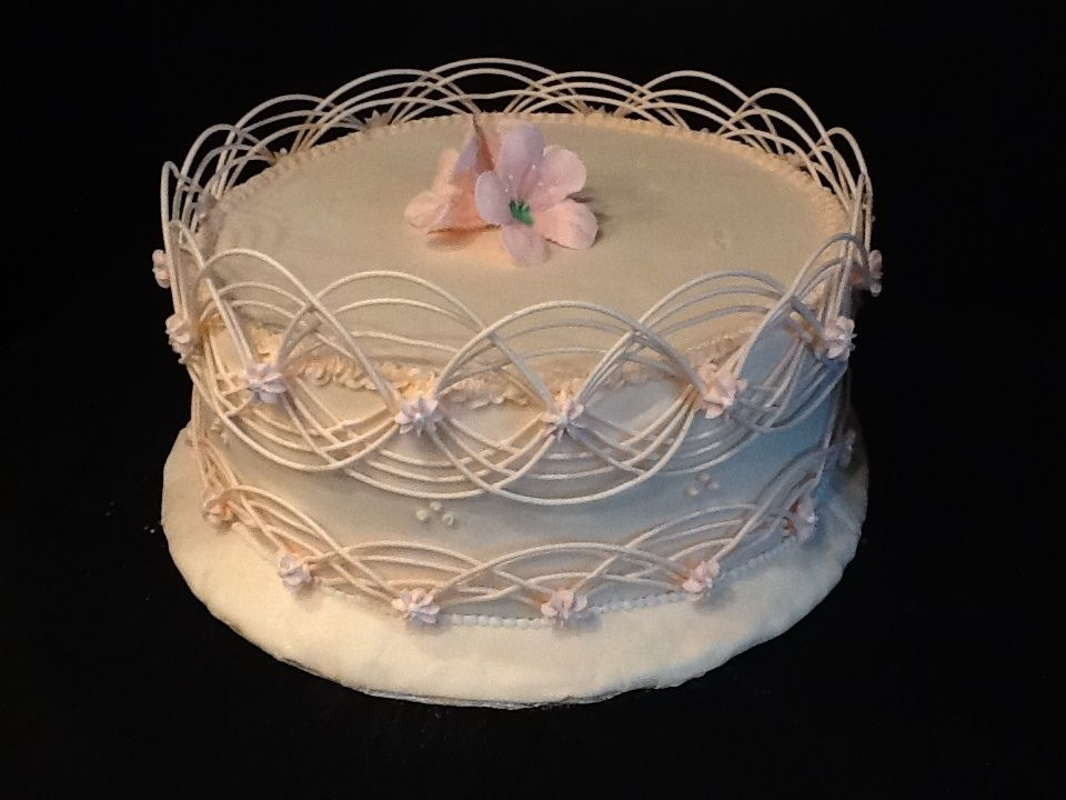 recipe: royal icing recipe for piping on fondant [39]