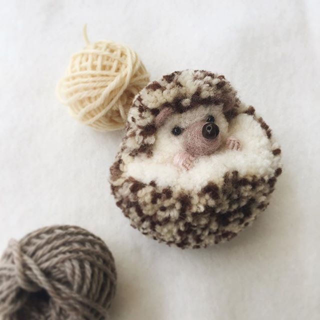 The homemade haven is nuts about these super cute animals for Pom pom craft patterns