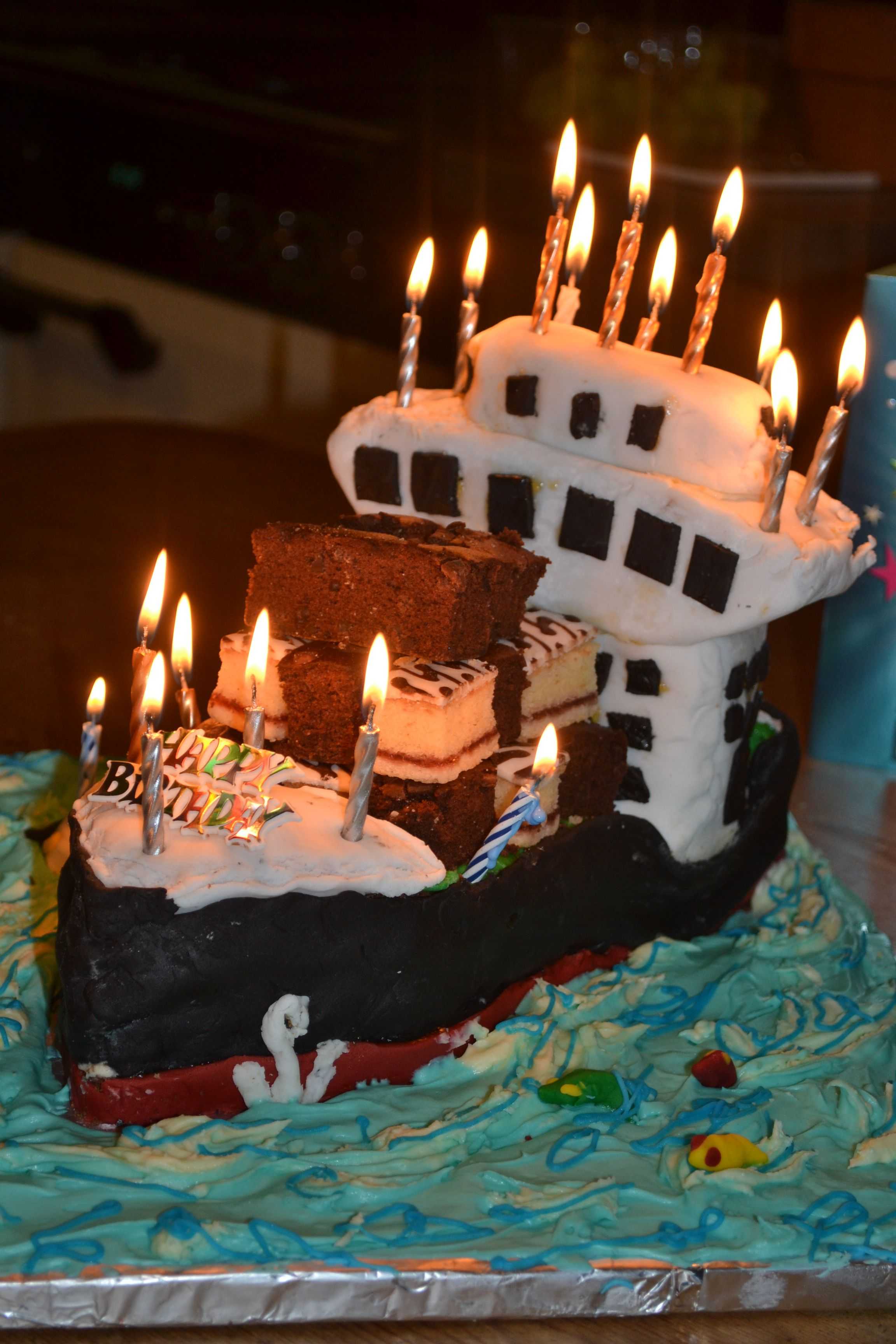 container ship Birthday cake My homemade cakes Pinterest