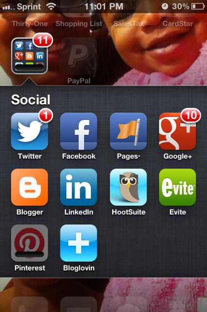 Let's be honest ... this pretty much encompasses my social life these days :) #mobilelifeofmoms #sociallensresearch