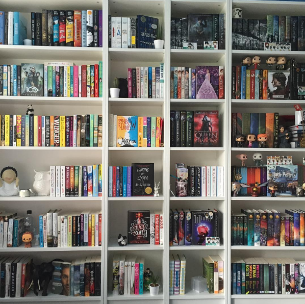 a lot of unbelievable books on here! | cool bookshelves