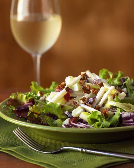 waldorf salad...love waldorf salad~