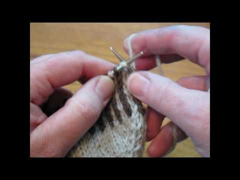 Two color knitting: How to knit with two colors using two hands - YouTube
