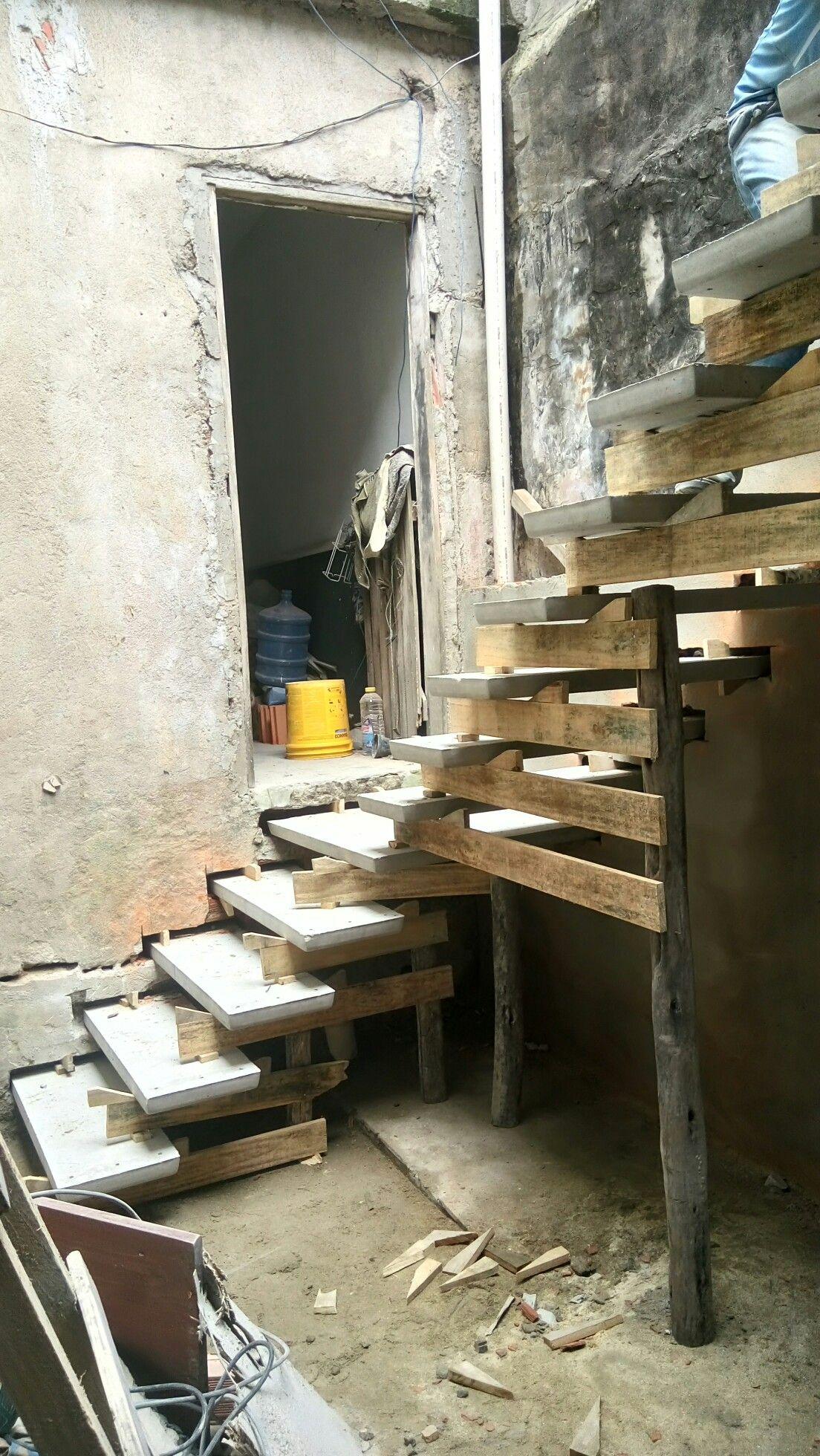 Escada Modelo L Com Patamar 080x080x325x20 De Espelho Moria