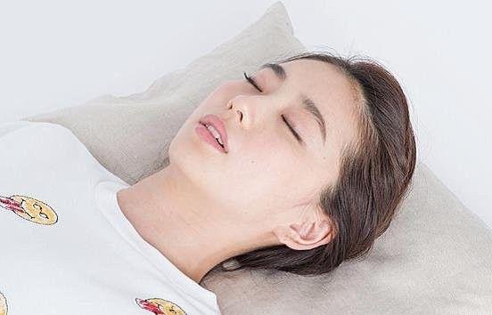 快眠枕は自分で作れる! 体に合った「バスタオル枕」の作り方 |