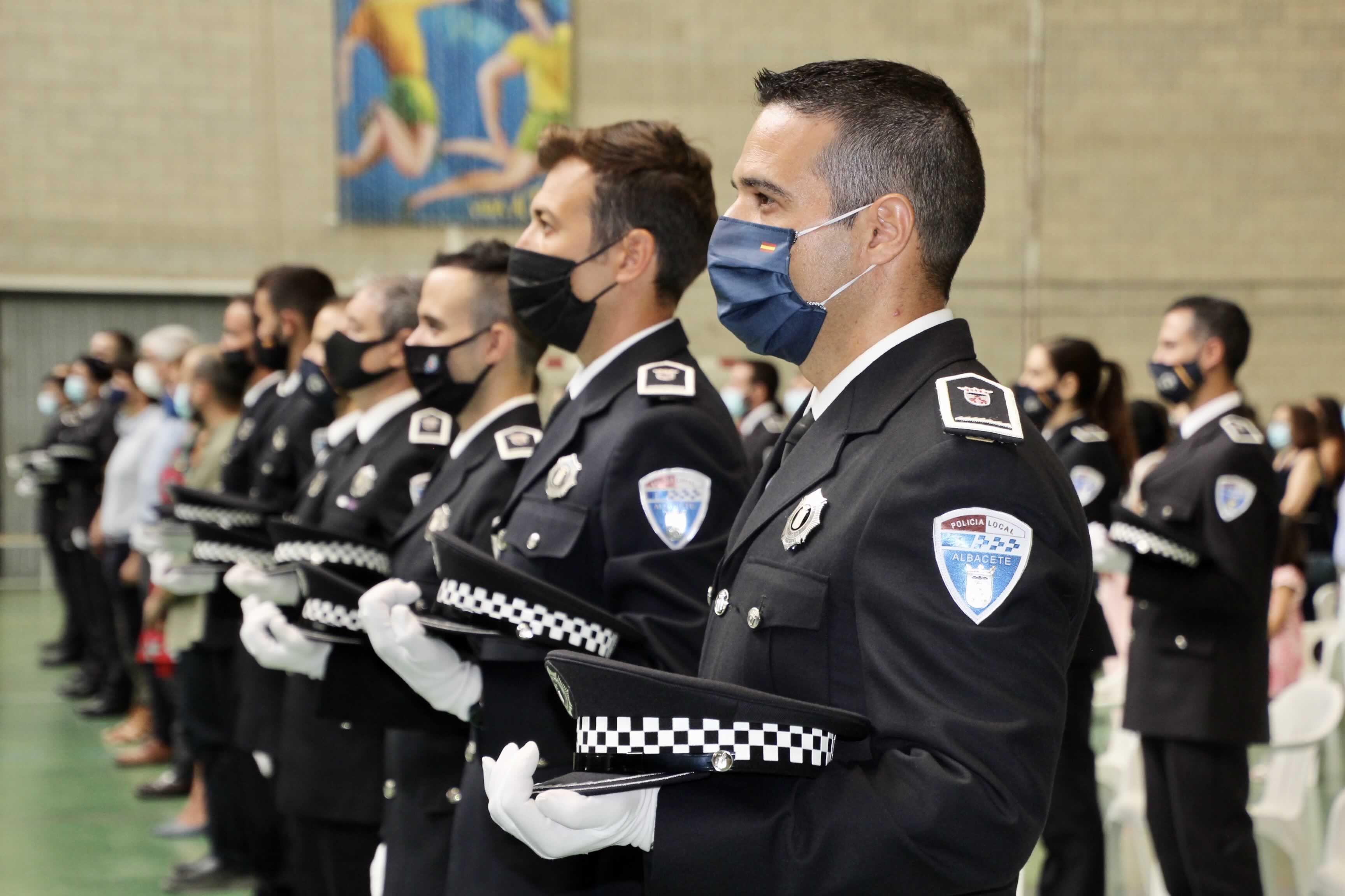 Aprobada La Convocatoria De 11 Plazas En La Policía Local De Albacete Policía Local Policía Bando Municipal