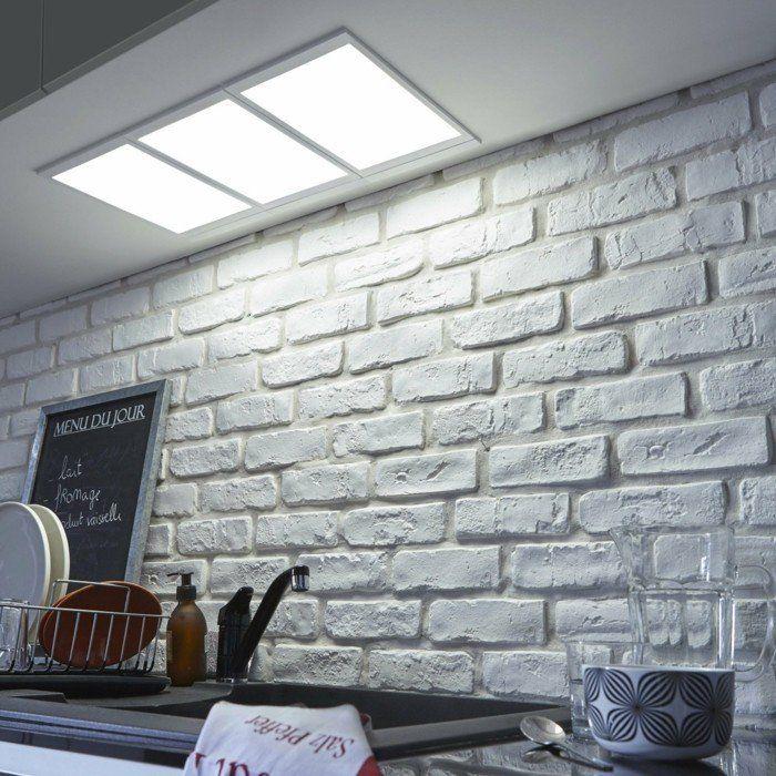 Perfekt Dalle Led Encastrable Pour Le Plafond Dans La Cuisine, Mur En Briques Gris