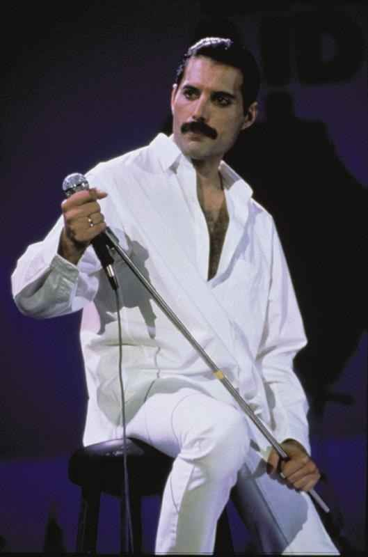 22 Reasons Why Freddie Mercury Was The Most Legendary Man Ever