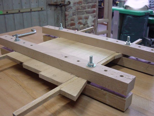 pingl par sur pinterest menuiserie atelier et ma presse. Black Bedroom Furniture Sets. Home Design Ideas