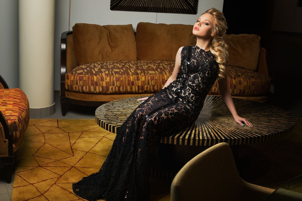 OROGOLD examines the best dresses to portray your romantic side.