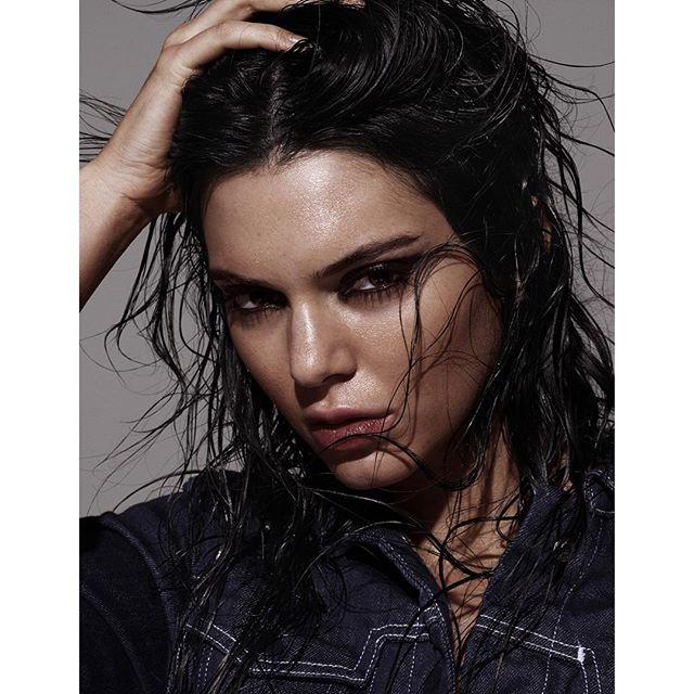 "Pin for Later: ""Spider Lashes"" sind der trendy, günstige und vor allem tragbare Beauty-Hype Kendall Jenner"